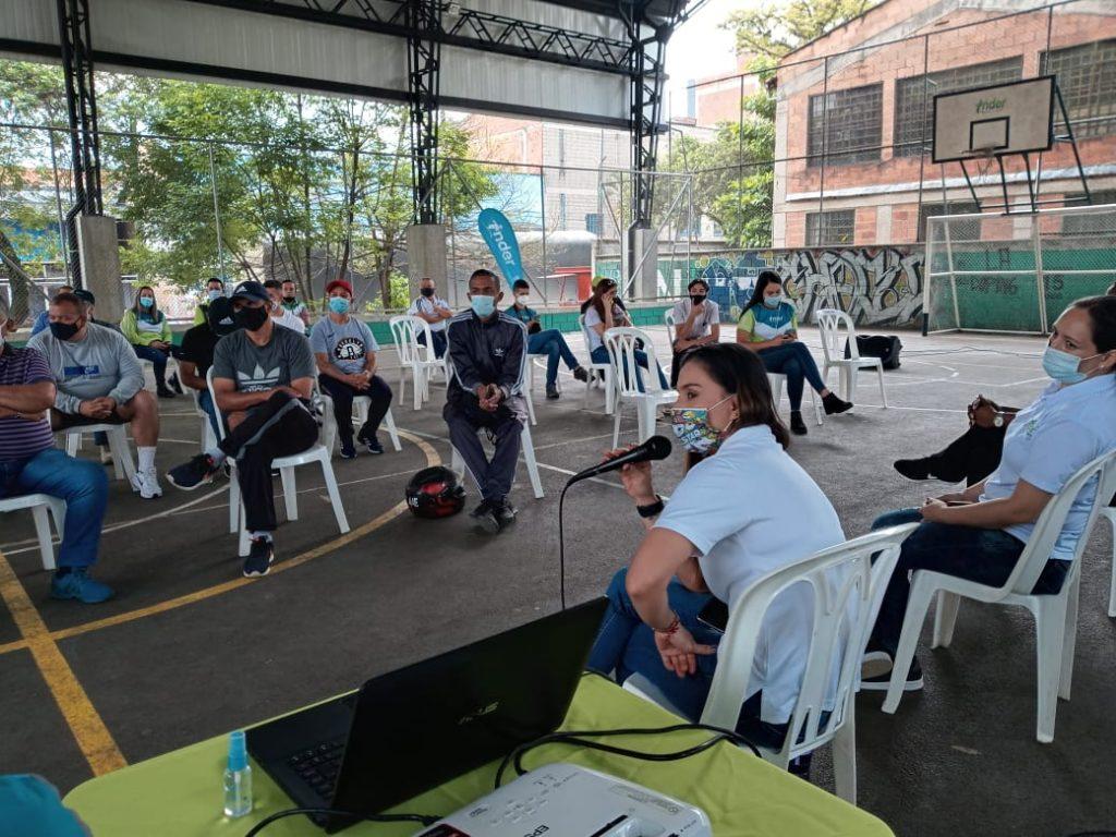 El INDER inspeccionó escenarios de la Comuna 15